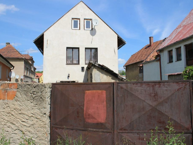 Dražba rodinného domu v obci Hoštka, okr. Litoměřice