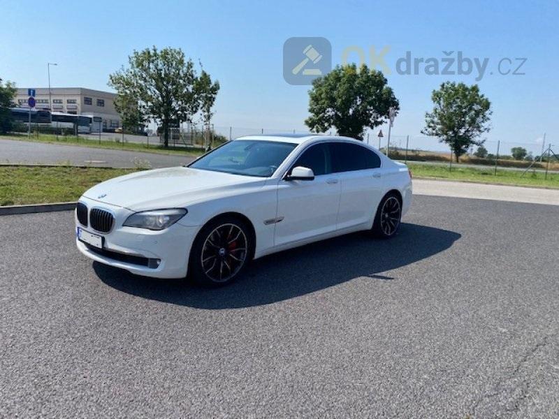 Aukce automobilu BMW 740i