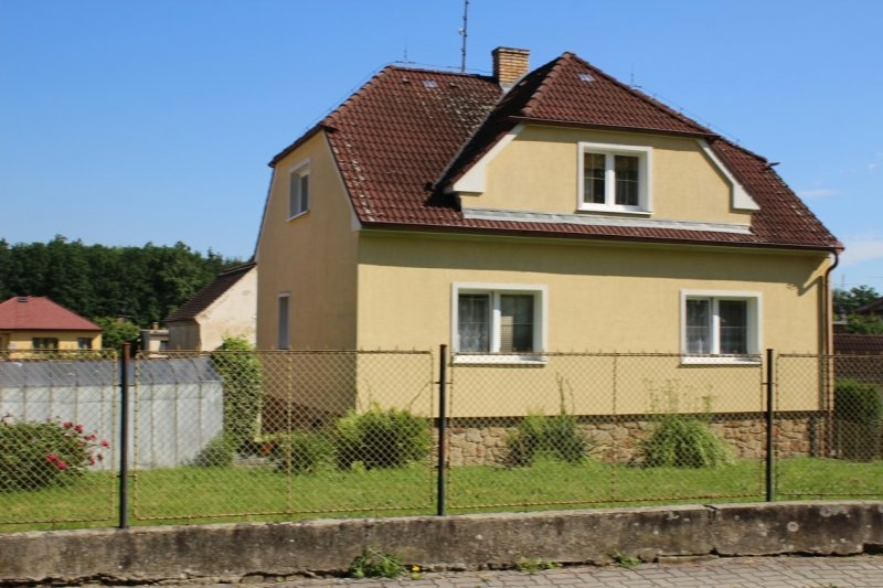 Dražba rodinného domu včetně pozemků v obci Zliv, okr. České Budějovice